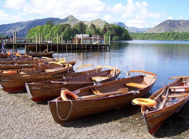 rowboats-2570_640