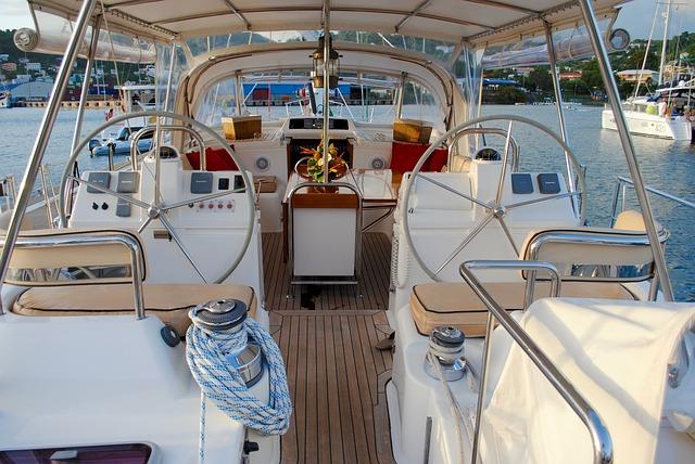 sailboat-1620315_640
